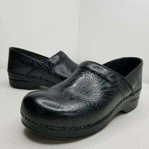 Dansko Black Tooled Leather Clogs EU 41 US 10.5/11